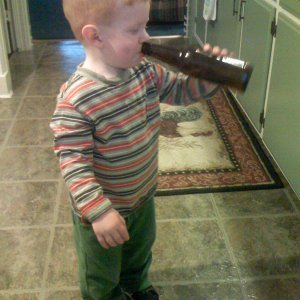 Kamdyn_with_a_bottle