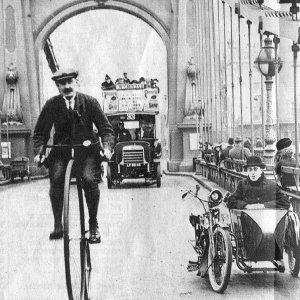 1900-Hammersmith-Bridge
