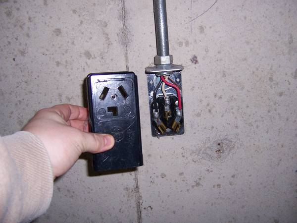 Wiring For Dryer Plug 4 Wire Hook Up Into 3 Trusted. Wire A Dryer Outlet Page 2 Wiring Diagram And Schematics For Plug 4 Hook Up Into 3. Wiring. Wiring 3 Prong Dryer Hook Up Diagram At Scoala.co