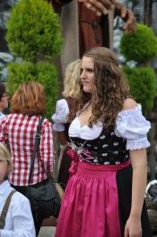 thumb1_munchen---oktoberfest---random---girls4-56998