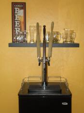 thumb1_bar_kegerator_fish_tank_001-42804