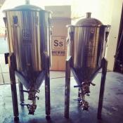 thumb1_homebrewing-fermenters-66243