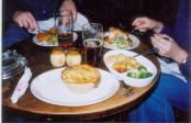 thumb1_steak_and_kidney_pie_at_village_pub-17205