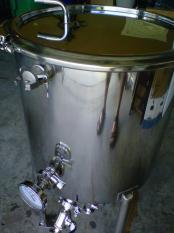 thumb1_fermenter_port_cap-54557