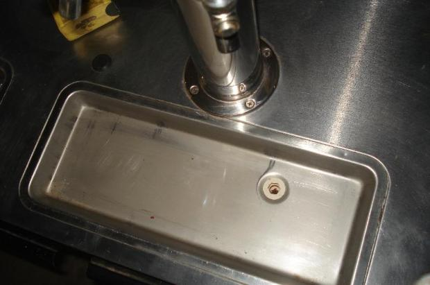 thumb2_drain_hole-31558