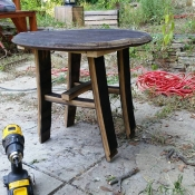 thumb1_barrel-table-65984