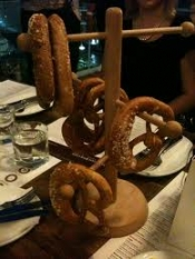 thumb1_pretzel-tree-3-60858