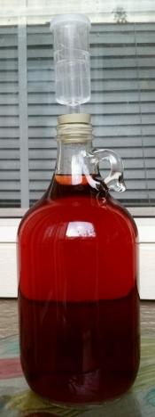 thumb1_one-half-gallon-pom-melomel-65443