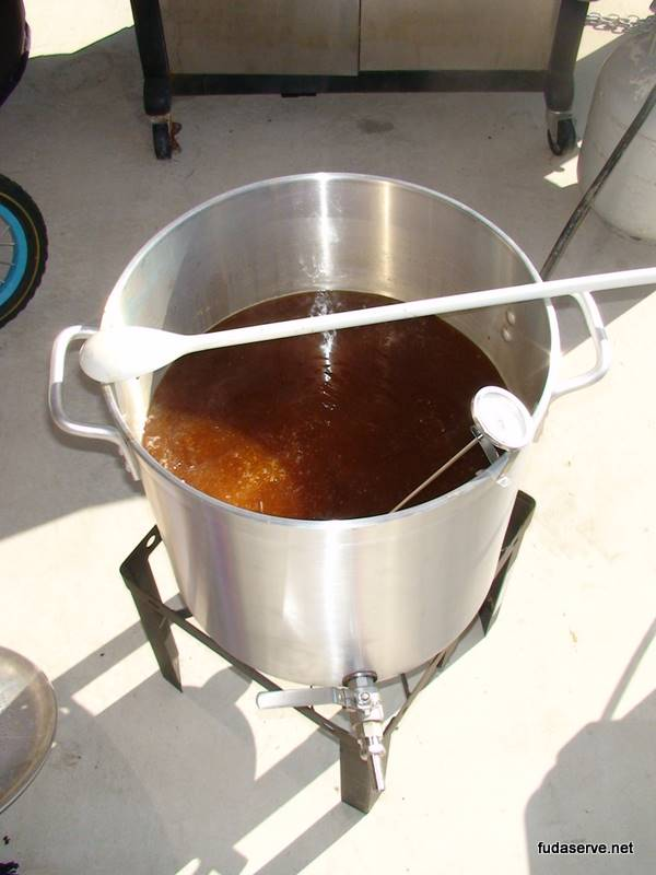 brewing_american_amber_ale_27_sep_2009_10-09-42-36140