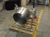 cleaveland-steam-2/3-jacketed-kettle-tilting-25-us-gal