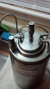 thumb1_taylor_1gallon_keg_closeup-57348