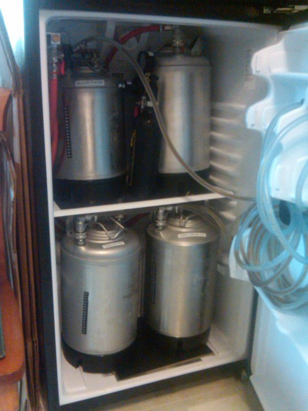 thumb2_brew_fridge_inside_full-52189