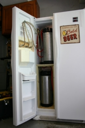thumb1_interior_kegerator_full-60849