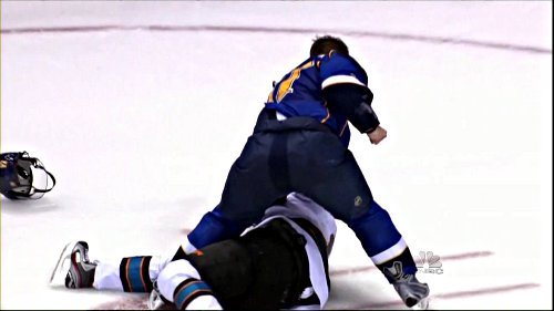 blues_sobotka_moore_fight2_14april12-54429