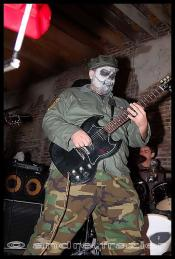 thumb1_austin_zombie_guitar-51894